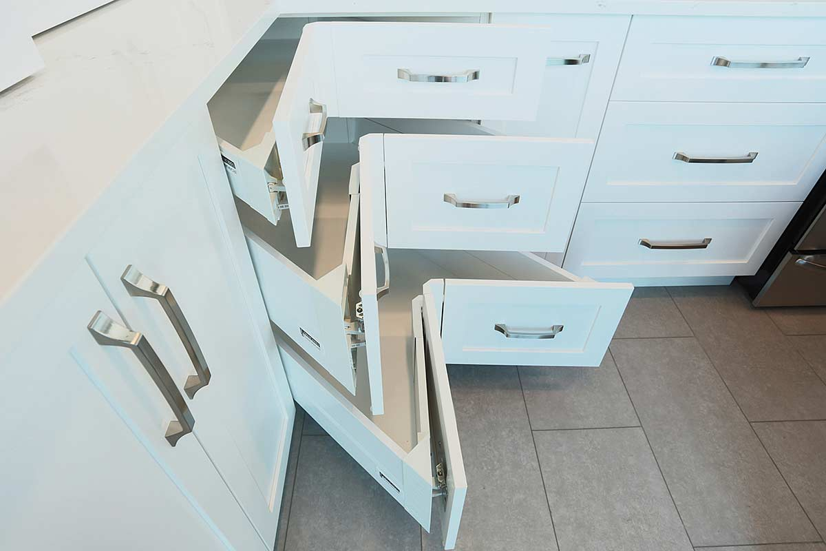 tiroirs de cuisine en coin